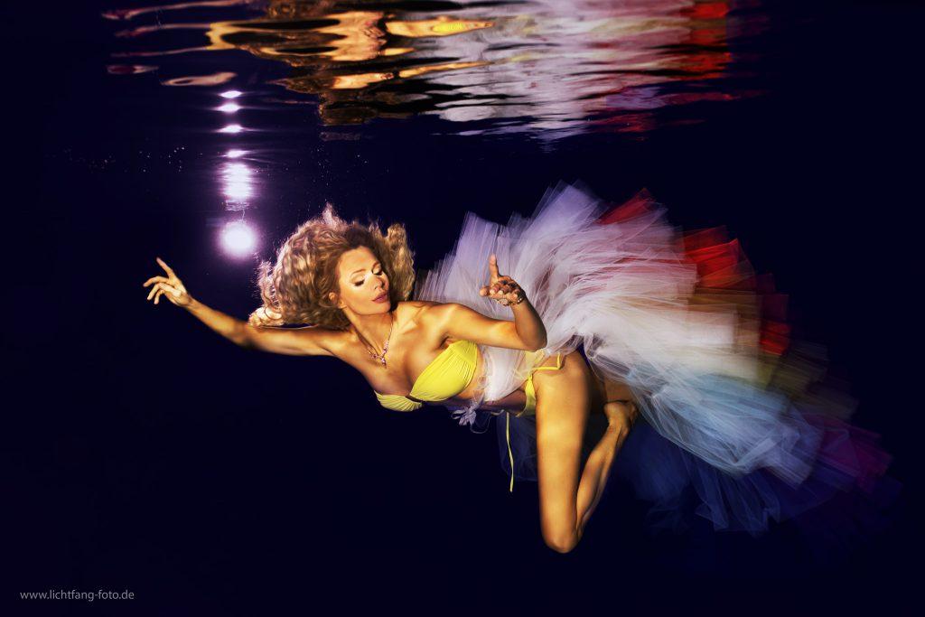 Unterwasser Photo Fashion Shooting