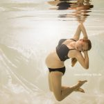 - Bliss - Unterwasser Babybauch Foto