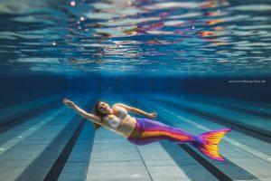 Unterwasser Foto mit dem kurvigen Model Sophie