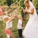 Braut mit Sohn im Schloss Auerstedt